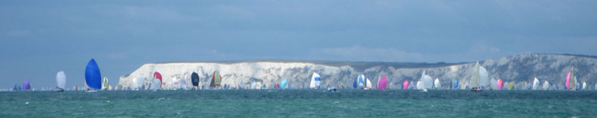 Round Isle of Wight - spinnakers sous les Needles